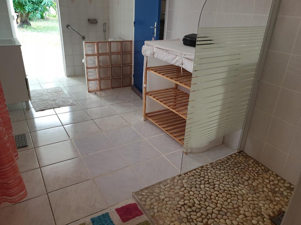Maison à louer 4 125m2 à Remire-Montjoly vignette-7