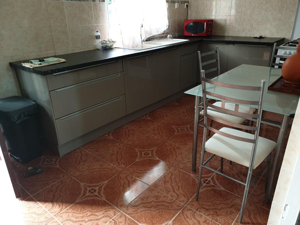 Maison à louer 4 125m2 à Remire-Montjoly vignette-8