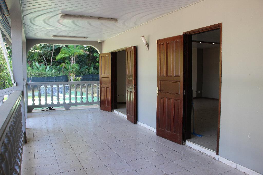 Maison à vendre 5 125m2 à Matoury vignette-6