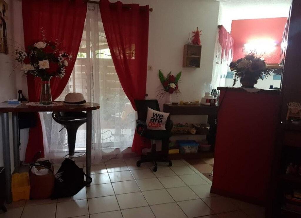 Appartement à louer 1 24.2m2 à Cayenne vignette-2