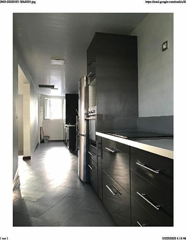 Appartement à louer 3 84.7m2 à Cayenne vignette-3