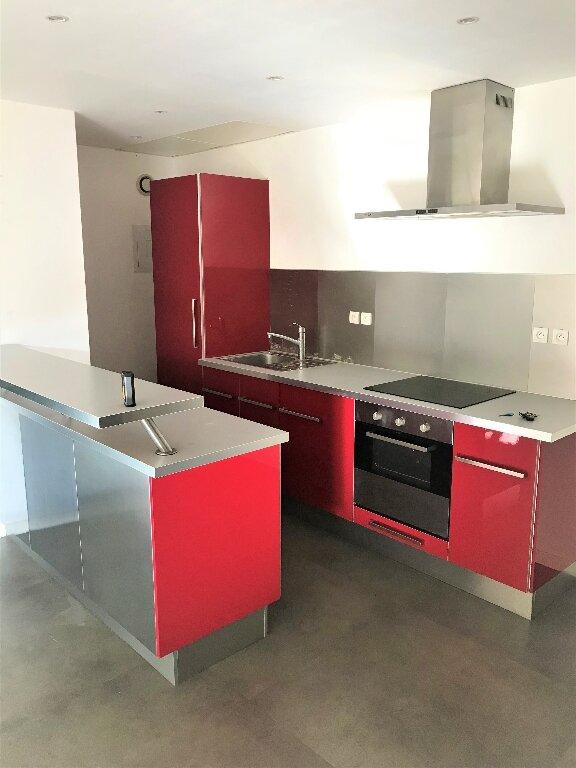 Appartement à vendre 2 50m2 à Compiègne vignette-1