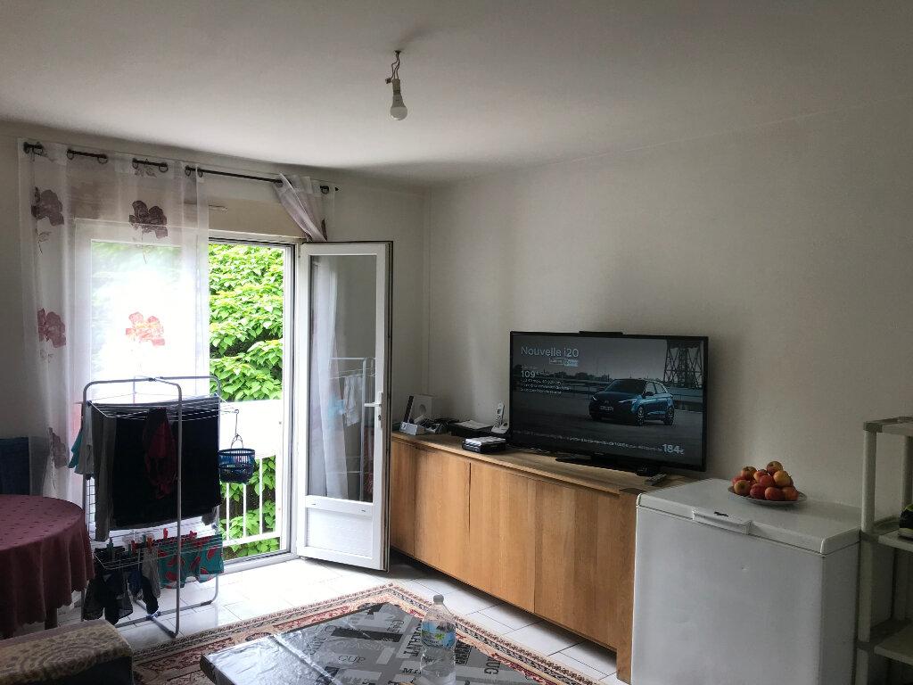Appartement à vendre 3 54m2 à Compiègne vignette-1