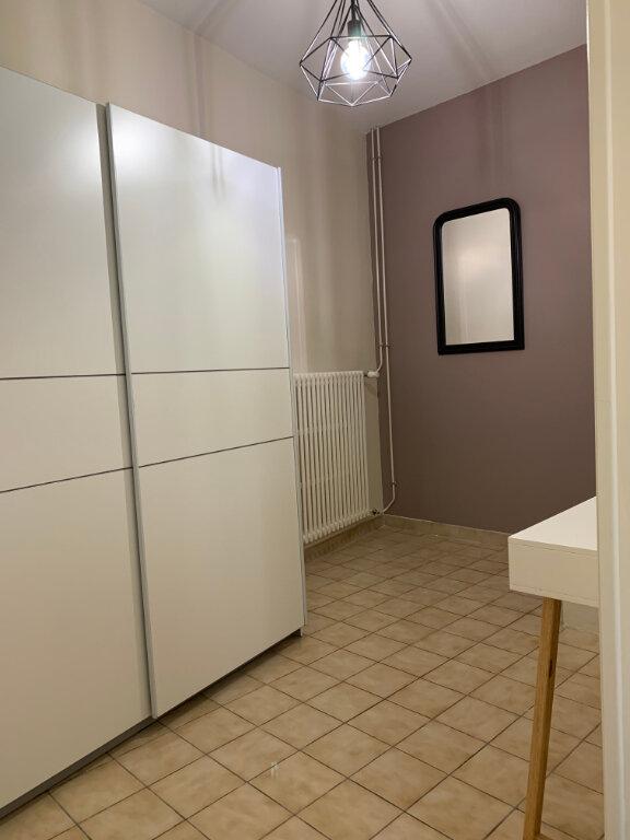 Appartement à louer 2 67.73m2 à Margny-lès-Compiègne vignette-3