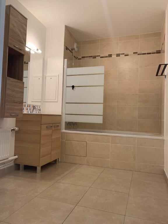 Appartement à louer 3 62.31m2 à Margny-lès-Compiègne vignette-6