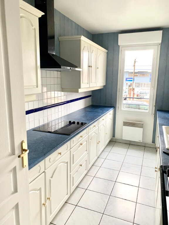 Appartement à louer 4 76.62m2 à Margny-lès-Compiègne vignette-3