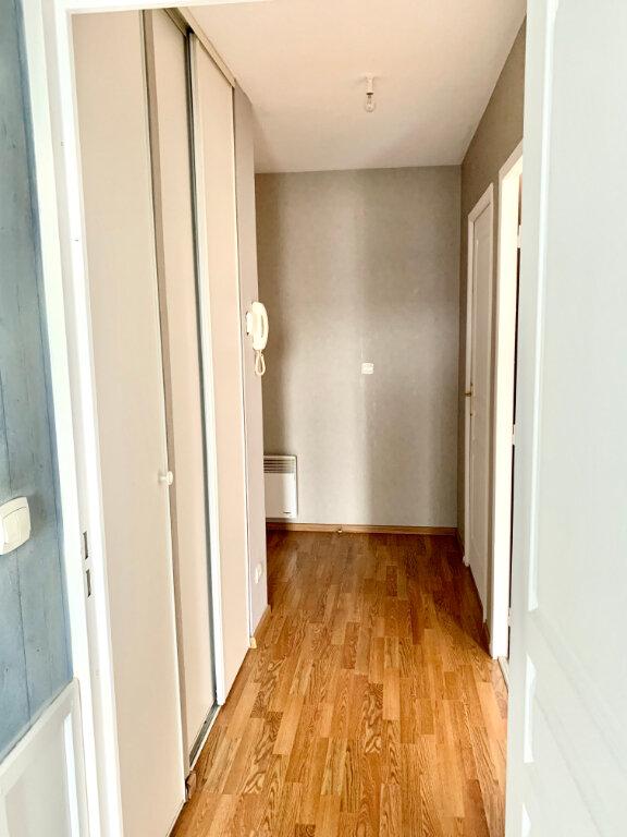 Appartement à louer 4 76.62m2 à Margny-lès-Compiègne vignette-4