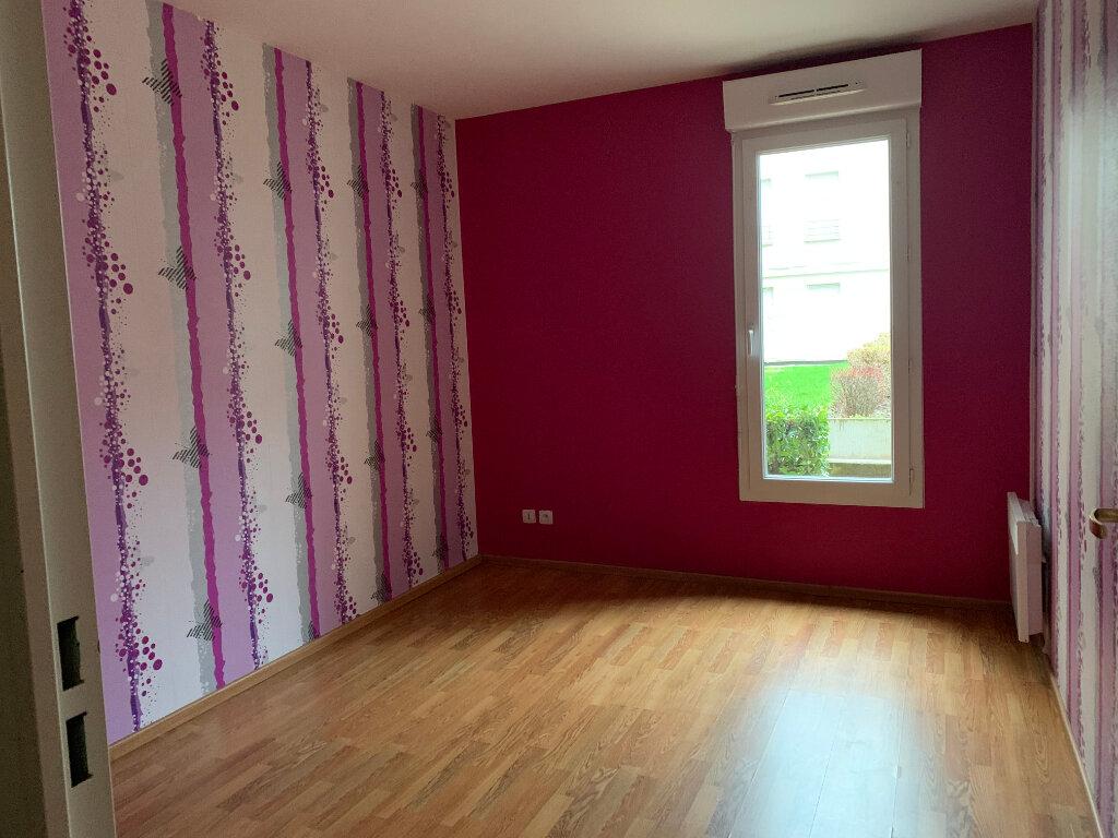 Appartement à louer 4 76.62m2 à Margny-lès-Compiègne vignette-6