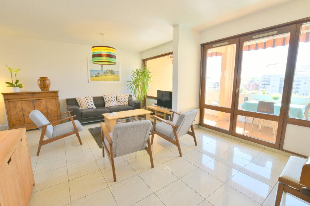 Appartement à vendre 8 183m2 à Villeurbanne vignette-3