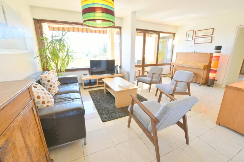 Appartement à vendre 8 183m2 à Villeurbanne vignette-5