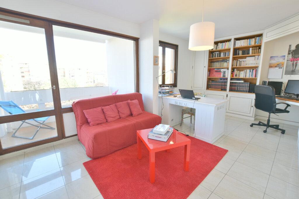 Appartement à vendre 8 183m2 à Villeurbanne vignette-8