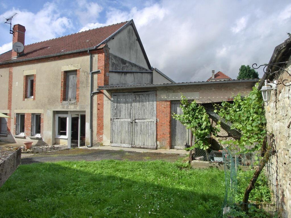 Maison à vendre 9 255m2 à Faverolles-et-Coëmy vignette-1