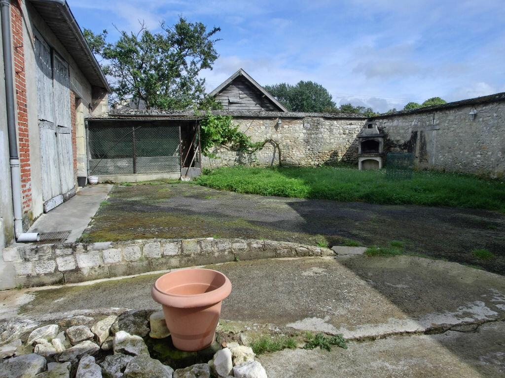 Maison à vendre 9 255m2 à Faverolles-et-Coëmy vignette-2