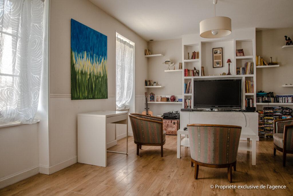 Maison à vendre 6 160m2 à Crugny vignette-1
