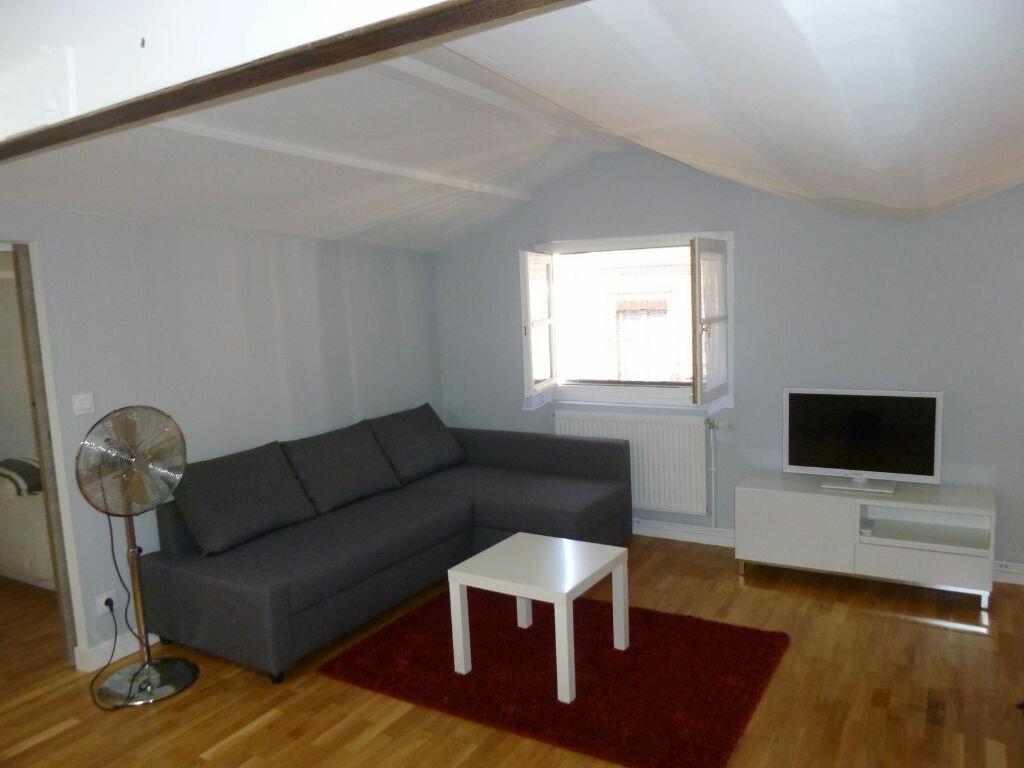 Appartement à louer 2 42.11m2 à Lyon 2 vignette-2
