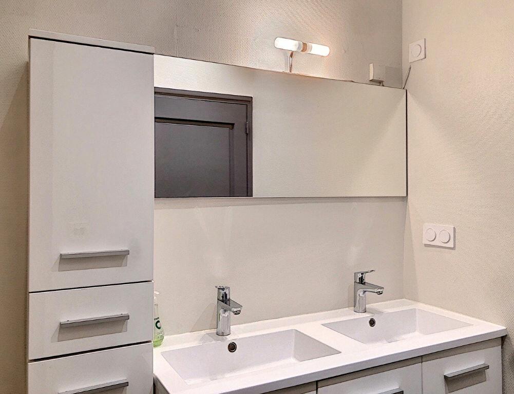 Appartement à louer 3 90.9m2 à Lyon 2 vignette-7