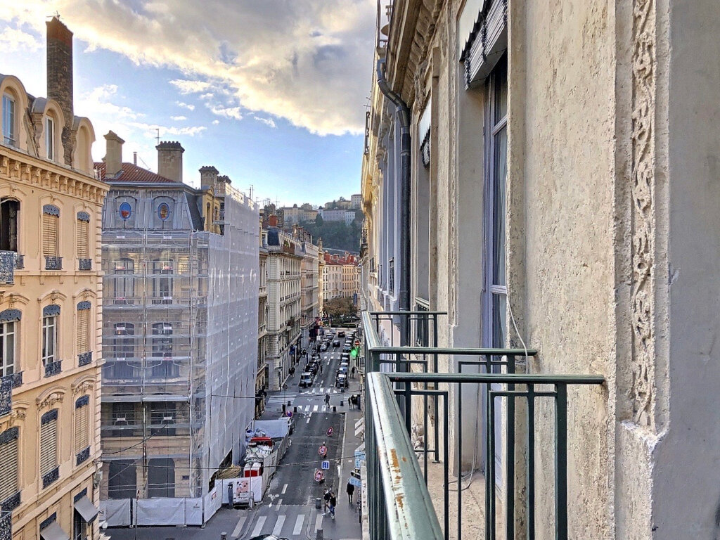 Appartement à louer 3 90.9m2 à Lyon 2 vignette-11