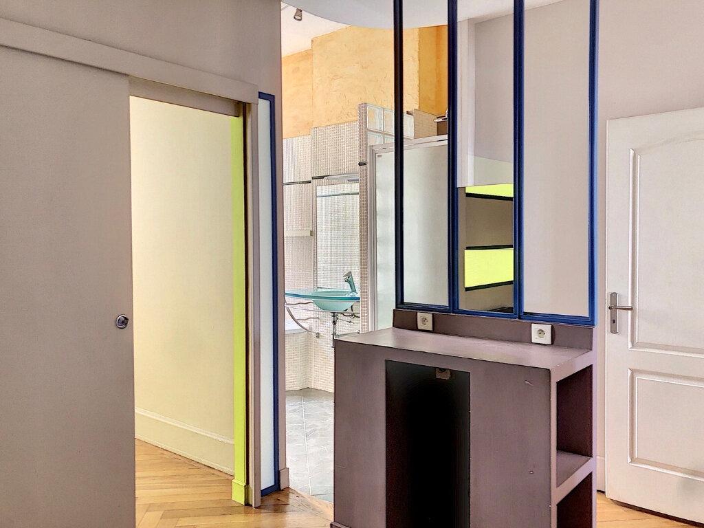 Appartement à louer 2 83m2 à Lyon 2 vignette-5