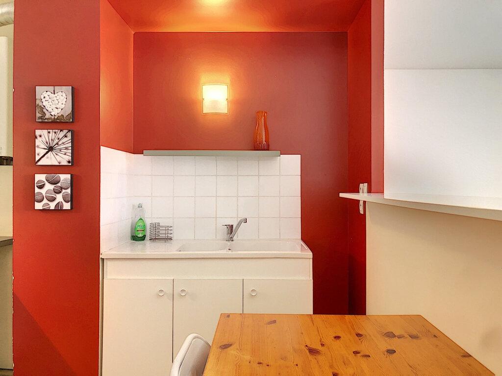 Appartement à louer 2 57m2 à Lyon 3 vignette-2