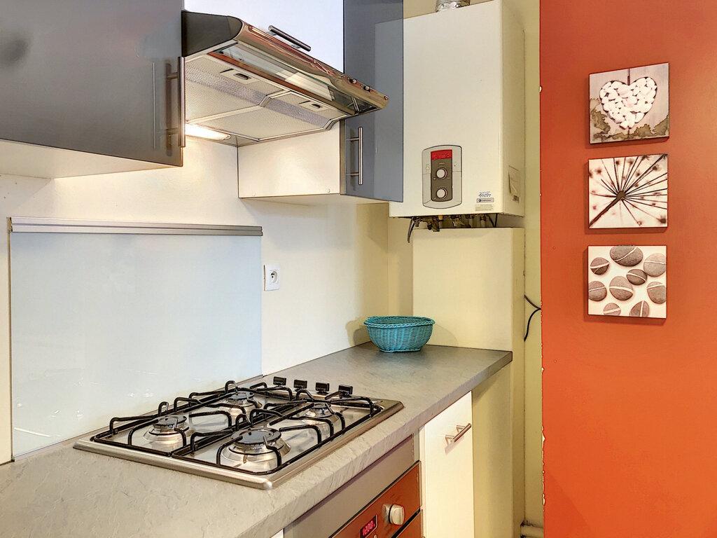 Appartement à louer 2 57m2 à Lyon 3 vignette-3