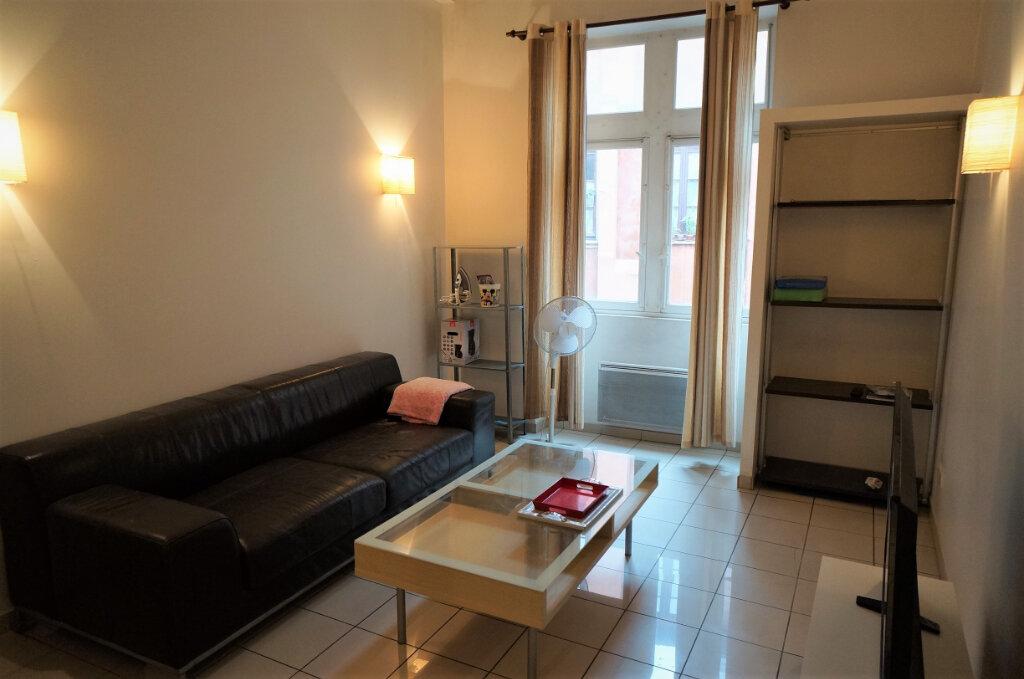 Appartement à louer 2 42m2 à Lyon 2 vignette-2