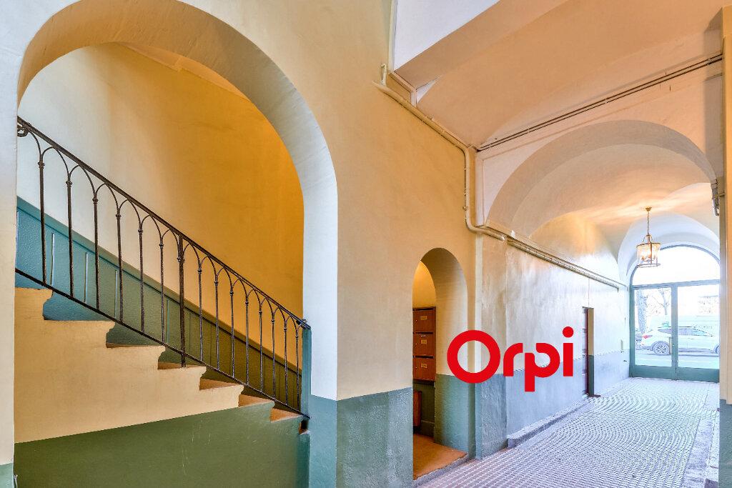 Appartement à vendre 5 145.5m2 à Lyon 2 vignette-4