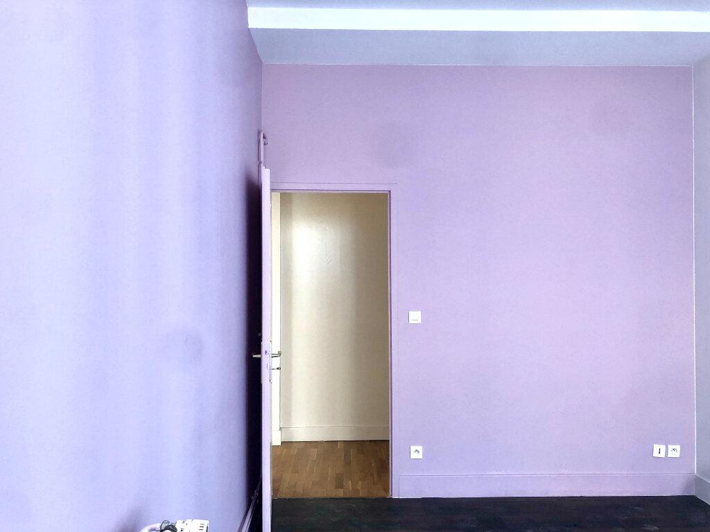 Appartement à louer 2 72m2 à Lyon 1 vignette-4