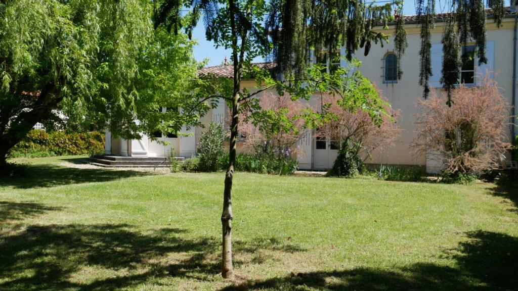 Maison à vendre 8 200m2 à Saint-Loubès vignette-1