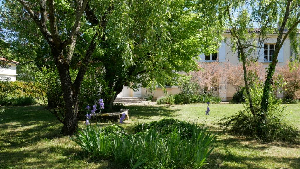 Maison à vendre 8 200m2 à Saint-Loubès vignette-5