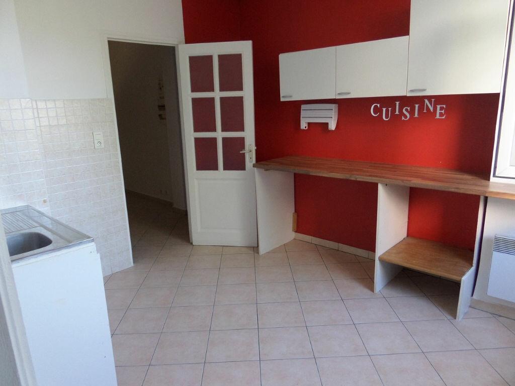 Appartement à louer 3 65m2 à Ajaccio vignette-1