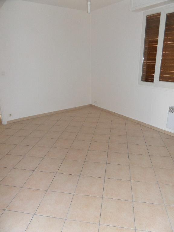 Appartement à louer 3 65m2 à Ajaccio vignette-6