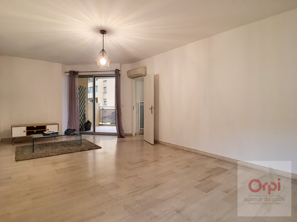 Appartement à louer 2 54.45m2 à Ajaccio vignette-4