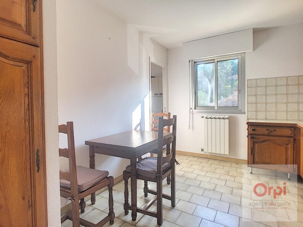 Appartement à louer 3 71.64m2 à Ajaccio vignette-4