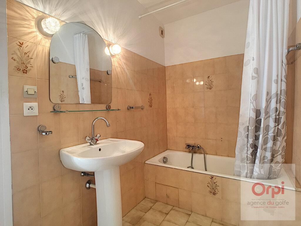 Appartement à louer 3 71.64m2 à Ajaccio vignette-8