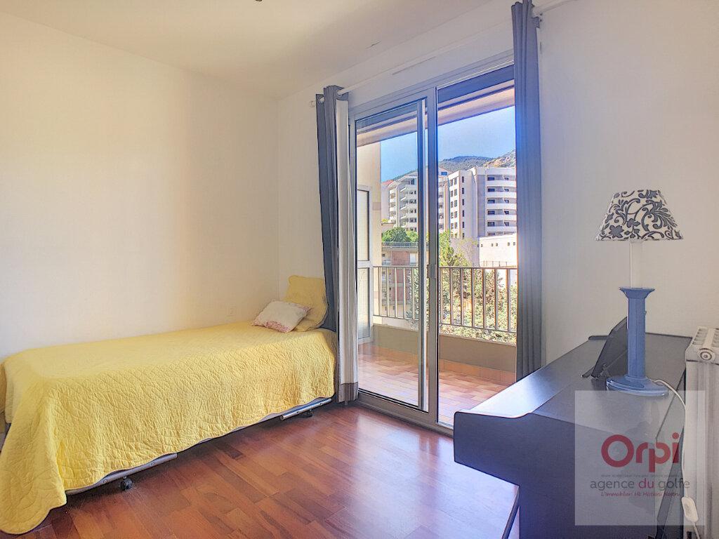 Appartement à louer 2 26.93m2 à Ajaccio vignette-4