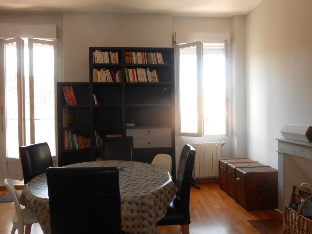 Appartement à louer 3 90.51m2 à Ajaccio vignette-9