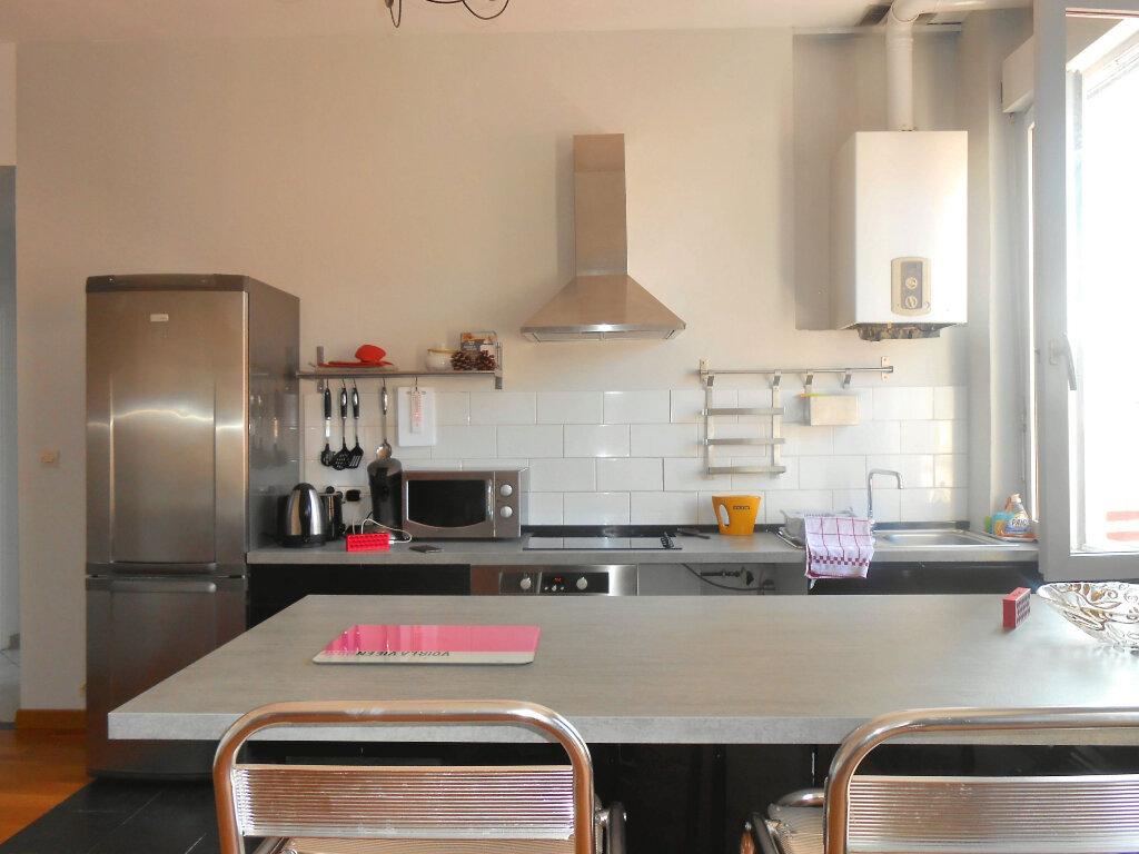Appartement à louer 3 90.51m2 à Ajaccio vignette-10