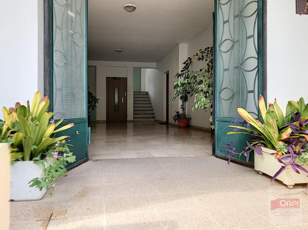 Appartement à vendre 2 38m2 à Ajaccio vignette-3