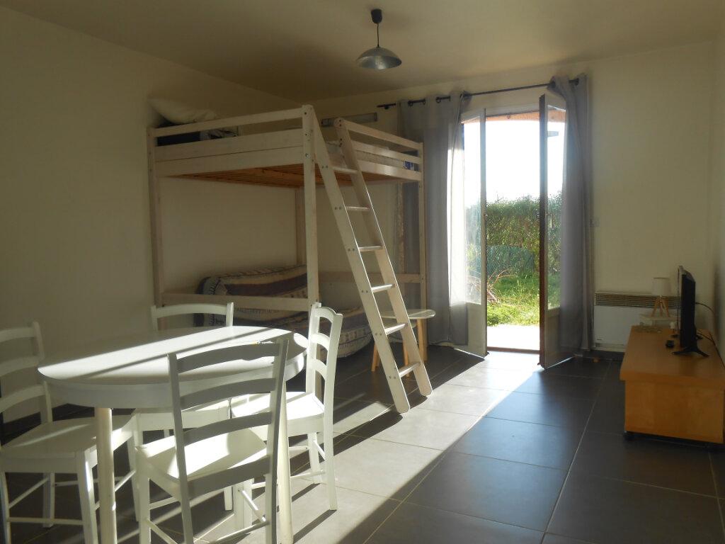 Appartement à louer 1 26.57m2 à Ajaccio vignette-2