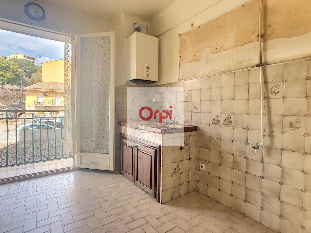 Appartement à vendre 3 75m2 à Ajaccio vignette-3