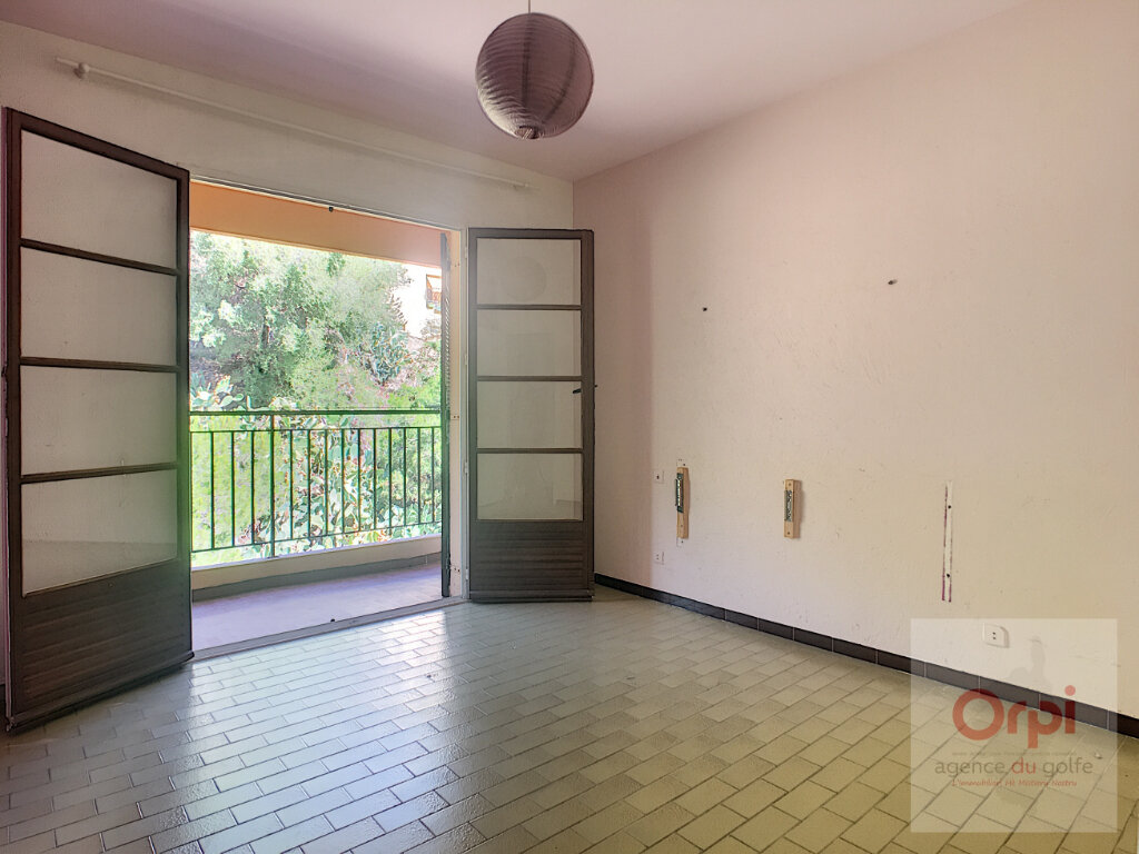 Appartement à louer 5 100m2 à Ajaccio vignette-5