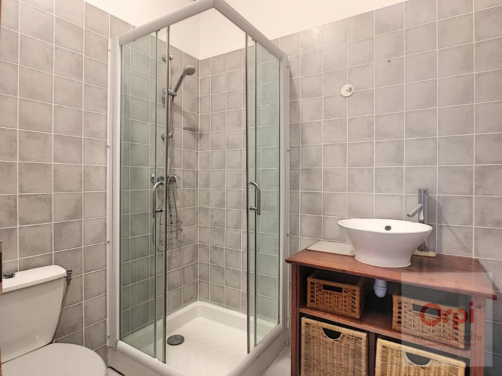 Appartement à louer 5 100m2 à Ajaccio vignette-6