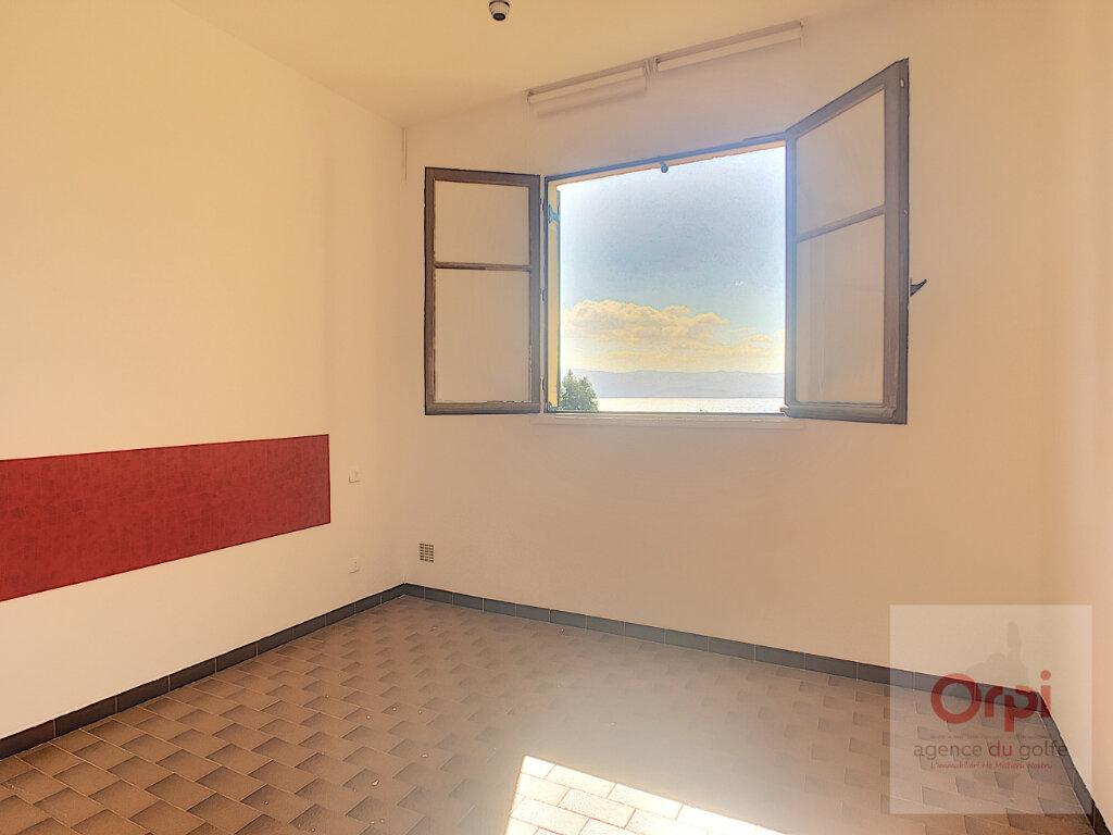 Appartement à louer 5 100m2 à Ajaccio vignette-7