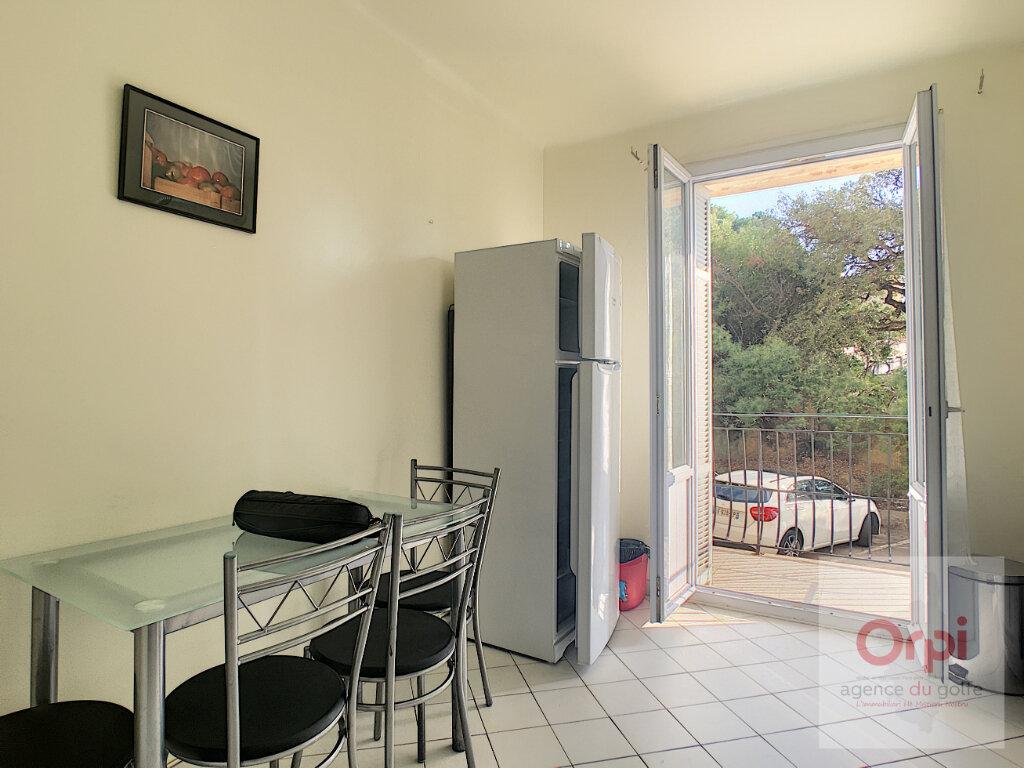 Appartement à louer 2 59.95m2 à Ajaccio vignette-3