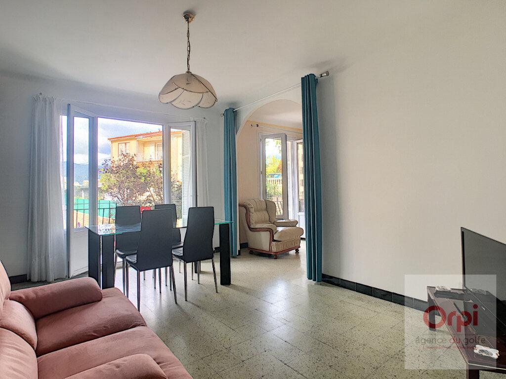 Appartement à louer 2 59.95m2 à Ajaccio vignette-5