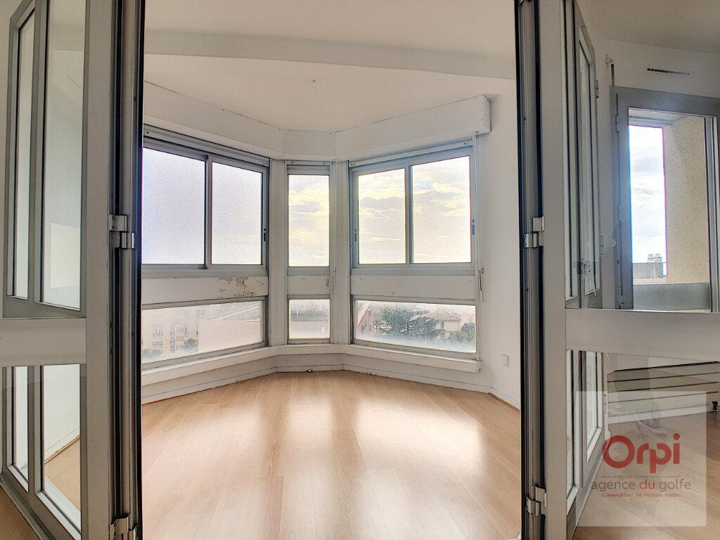 Appartement à louer 4 119m2 à Ajaccio vignette-3