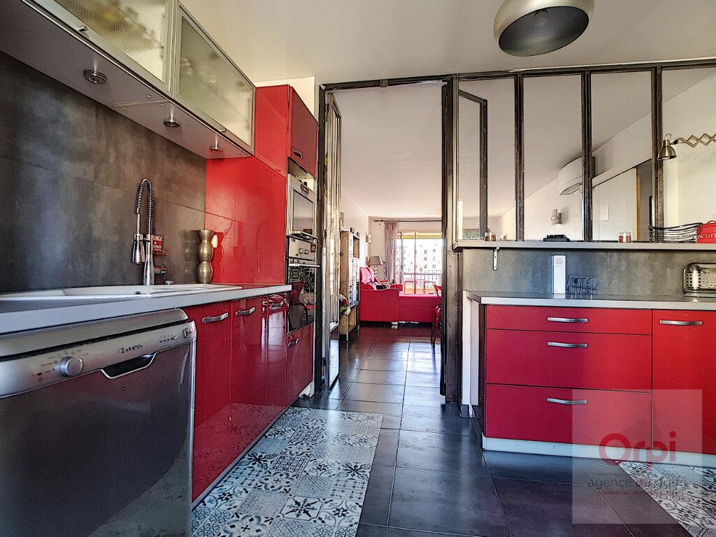 Appartement à vendre 3 75.66m2 à Ajaccio vignette-1
