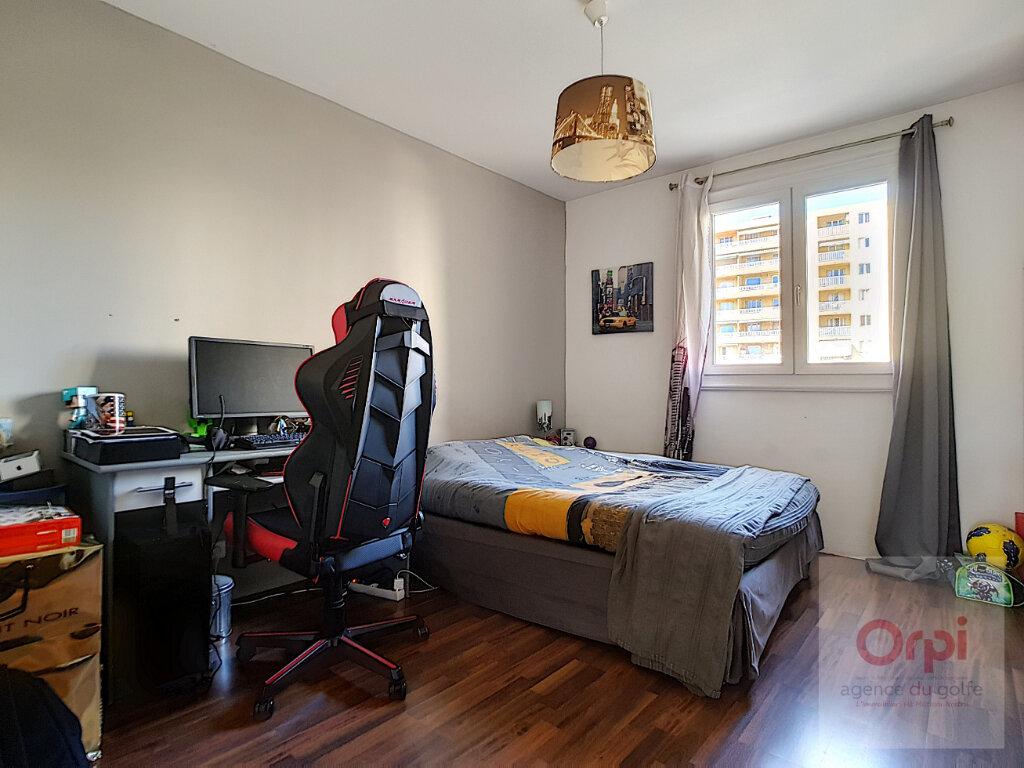Appartement à vendre 3 75.66m2 à Ajaccio vignette-7