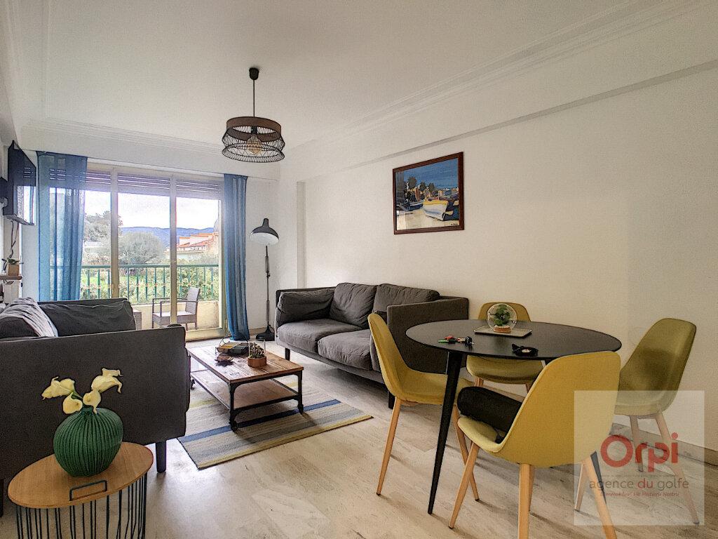 Appartement à louer 3 81.99m2 à Ajaccio vignette-2