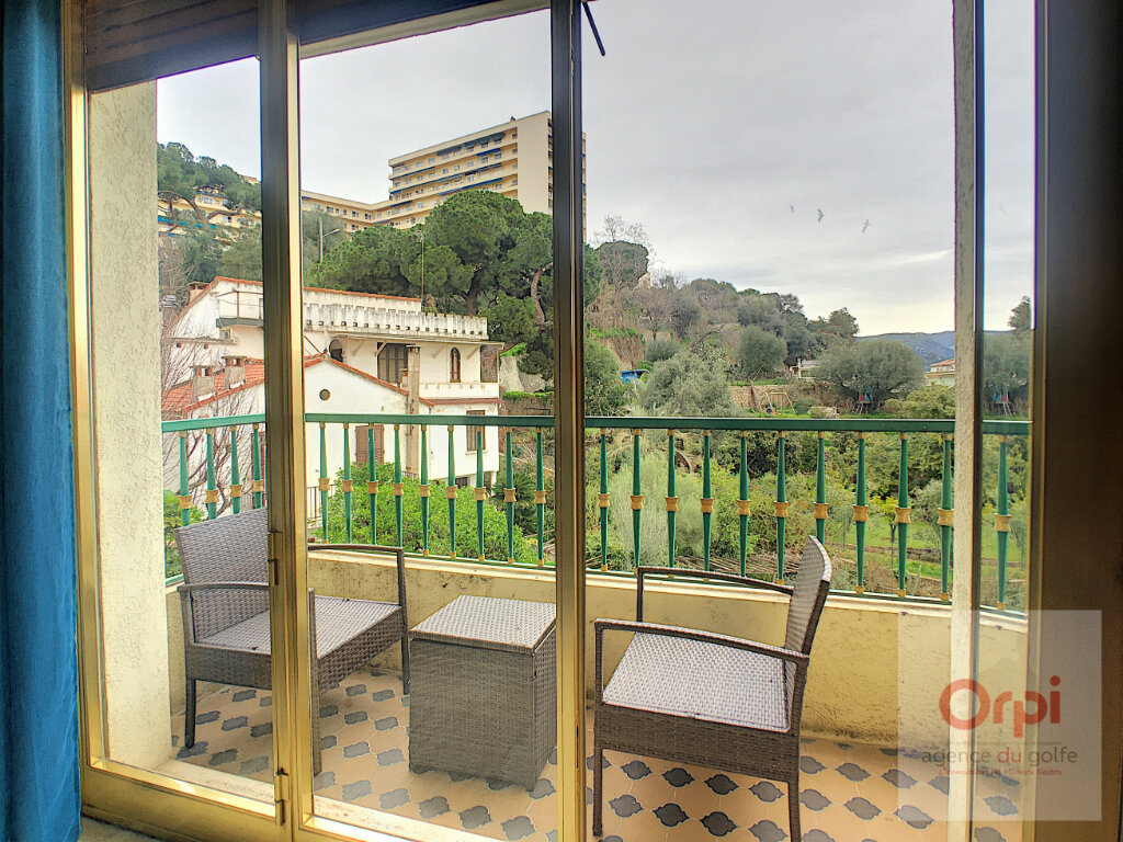 Appartement à louer 3 81.99m2 à Ajaccio vignette-3
